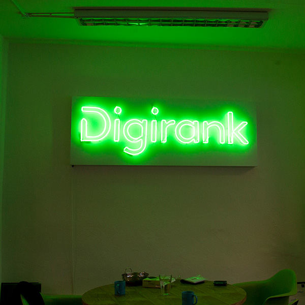 Neon light sign green Digirank