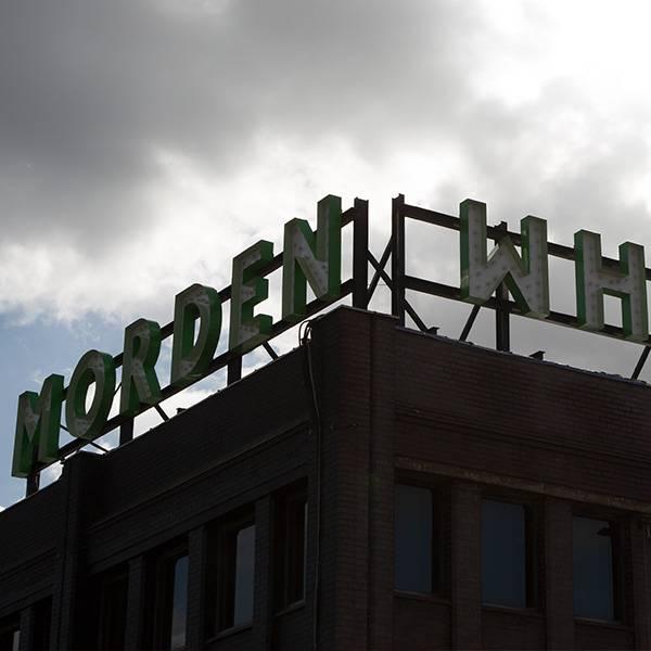 Light up sign vintage Morden