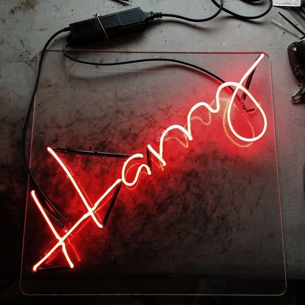 Neon light writing red Harry