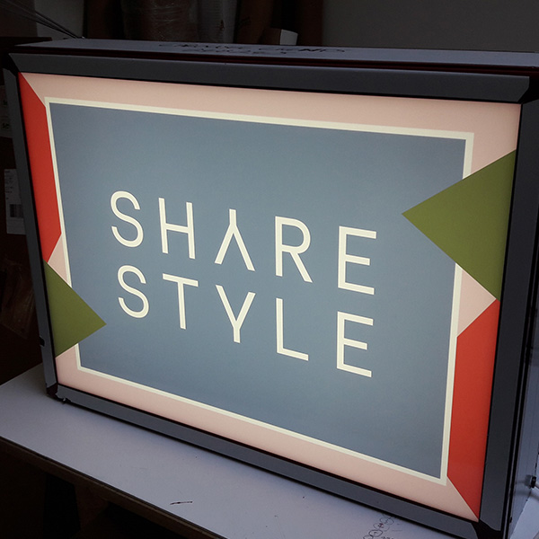vintage lightbox share style